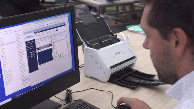 La soluzione SmartPro per le banche utilizza gli scanner Epson